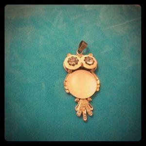 Jewelry - Gold and ecru owl pendant